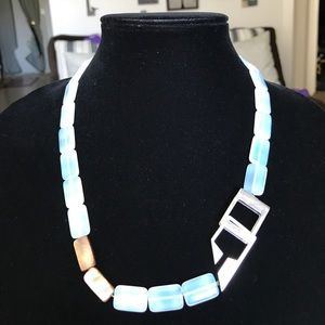 """Jewelry - Beautiful opalescent glass necklace 22"""""""
